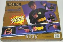 Vintage 1989 Toy Biz Batman Utility Belt with Spear Gun/Batarang/Emblem/Cuffs