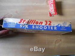 Vintage Cap Gun Nichols Stallion 32 Six Shooter with the Box Excellent Condition