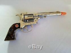 Vintage HUBLEY Toy Gun and Cow Hide Holster Set NO. 3042 Texan 38 Cap Gun
