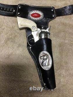 Vintage Hubley COWBOY Toy Cap Gun Set With Black Leather Paladin Jewled Holster