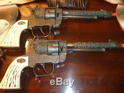 Vintage Hubley Colt 44 WAGON TRAIN Cap Gun and Holster Set