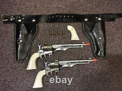 Vintage Hubley Colt 45Cap Gun Pistol Set With Leather Dual Holster & (4) Bullets