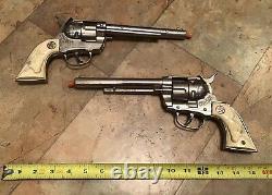Vintage Hubley Cowboy Toy Cap Gun Pistol Set