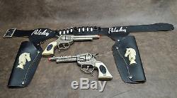 Vintage Leslie Henry Paladin Double Cap Gun and Holster Set