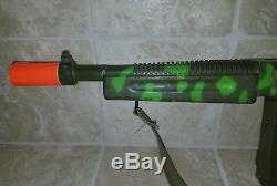 Vintage Tommy Burst Cap Machine Gun Mattel 1962