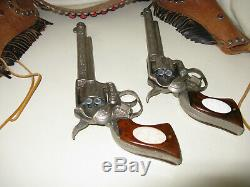 Vintage toy cap gun set leslie-henry marshal 2 gun set