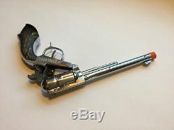 Vtg Pathfinder Buckn Bronc Cap Gun SCHMIDT Chrome Rotating Cylinder & Compass