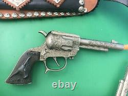 WILD BILL HICKOK Double Gunslinger LEATHER HOLSTERS with L-H Cap Guns WOW