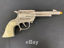Wild Bill Hickok Marshal Toy Cap Gun & Holster Set 12 Bullets White Grips Nice