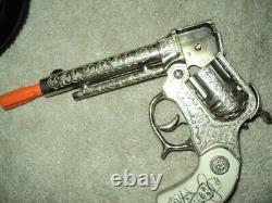 Wyandotte Hopalong Cassidy Cap Guns With excellent Double Holster Set No Reserve